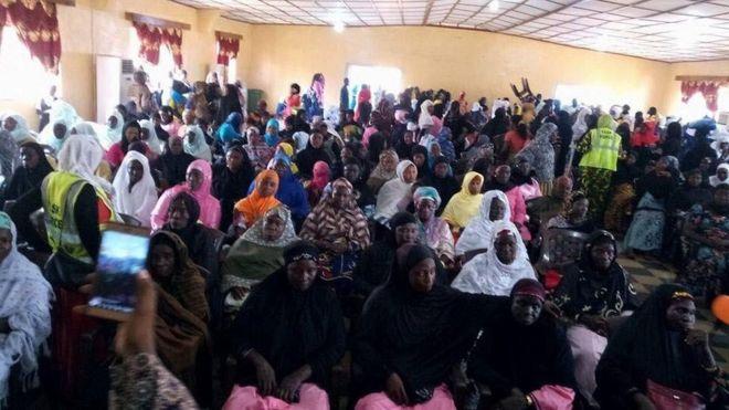 Wasu mata musulmi a Liberia suke gudanar da ranar sanya hijabi