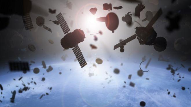 Las creativas soluciones para limpiar el inmenso vertedero de basura humana que flota en el espacio