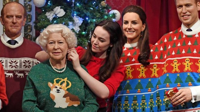 Queen' wears Christmas jumper created by designer Amber Hards ...