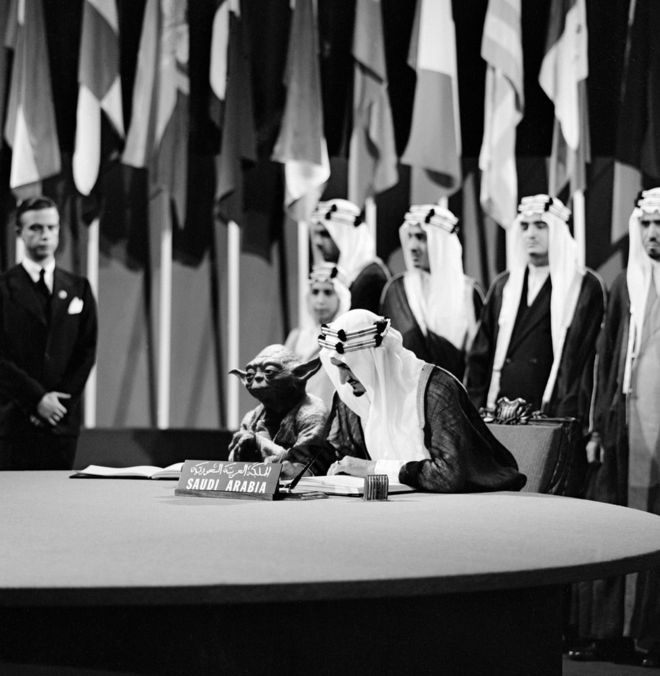 Приколы по Звездным Войнам: В учебнике нашли изображение короля Саудовской Аравии с Йодой из «Звездных войн»