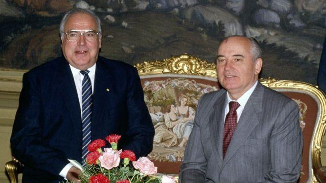 Ông Helmut Kohl và ông Mikhail Gorbachev