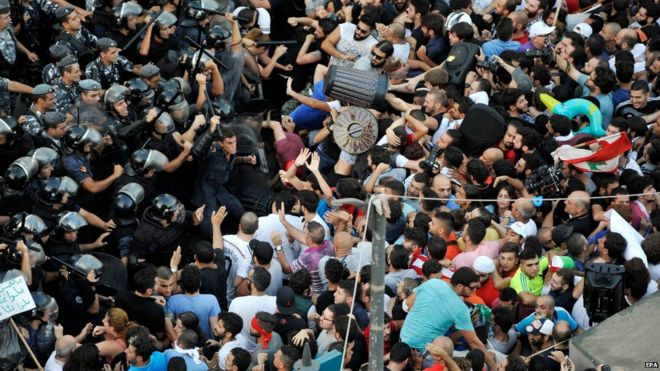 Security forces clash with protesters in Beirut, 22 August 2015