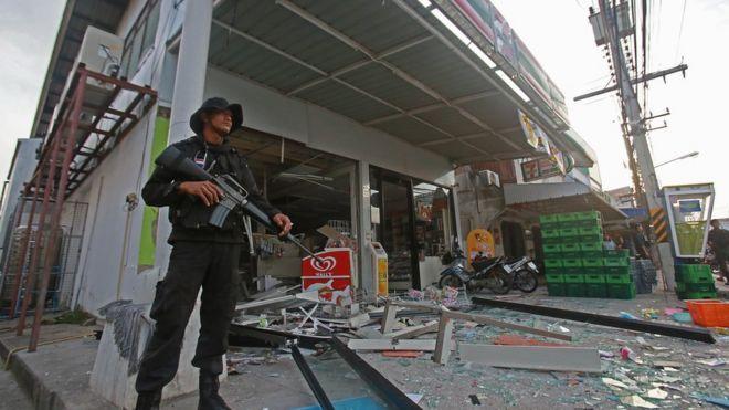 เกิดเหตุระเบิดหลายจุดในเมืองปัตตานีและรอบนอก เมื่อวันที่ 24 พ.ค.2557