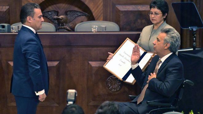 Lenín Moreno durante su juramentación como presidente frente a la Asamblea.