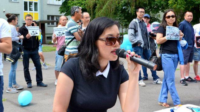 Nhà báo Mạc Việt Hồng