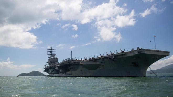 """隸屬美國第七艦隊的核動力航母""""里根""""號訪問香港"""