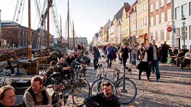 """У Дании почти идеальные показатели в рейтинге """"Основные человеческие потребности"""" международного Индекса социального прогресса 2017 г."""
