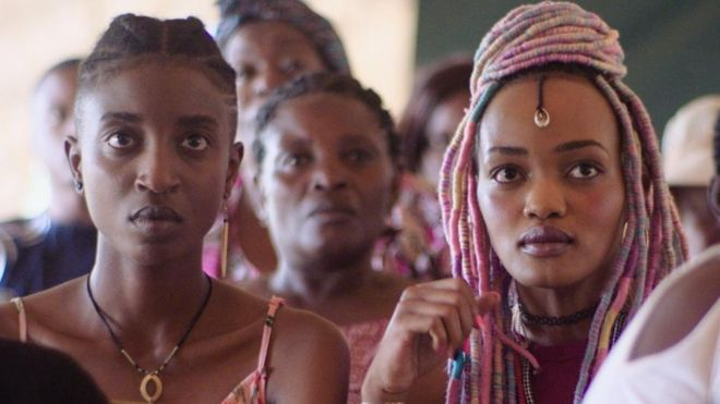 Samantha Mugatsia and Sheila Munyiva in Rafiki