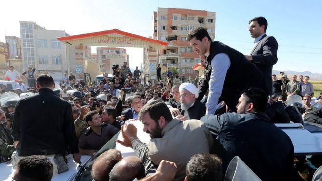 Президент Ірану відвідує вражені землетрусом райони