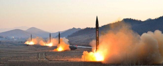 Пуск северокорейских ракет в марте 2017 года