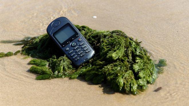 Descubre cuáles son los idiomas que están en peligro de extinción por culpa de los smartphones