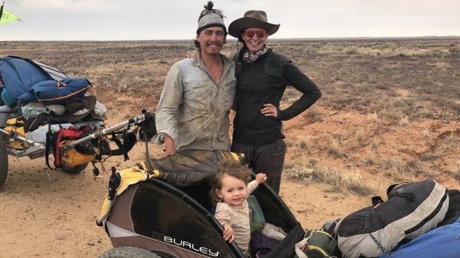 澳洲夫婦帶娃橫越1800公里