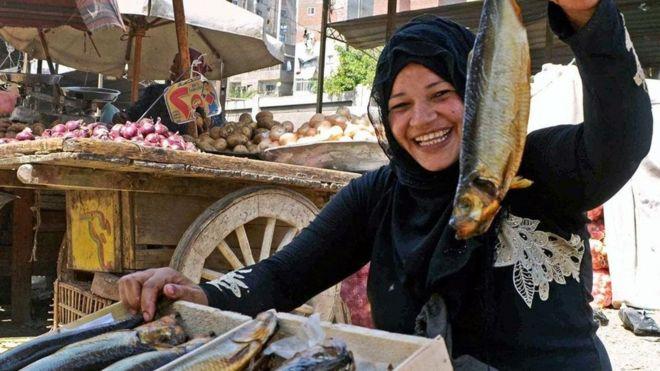 要命的美味:埃及人爱吃的臭咸鱼