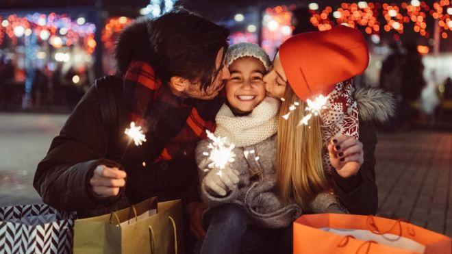 ¿Por qué la ciencia dice que en Navidad es mejor regalar experiencias que objetos?