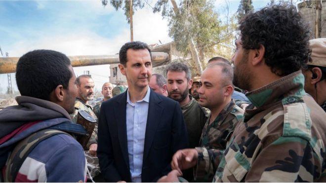 Suriye Devlet Başkanı Beşar Esad on binlerce sivilin terk ettiği Doğu Guta'da
