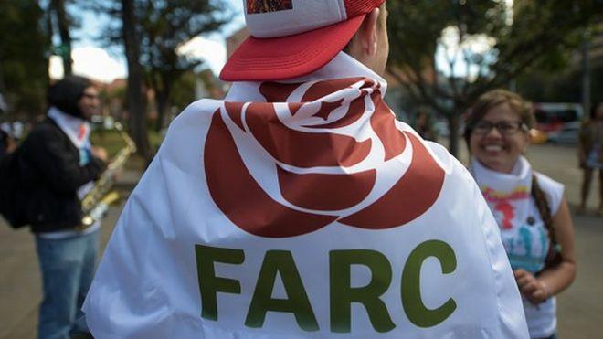¿Es buena idea que la guerrilla de las FARC no haya cambiado su sigla al convertirse en partido político en Colombia?
