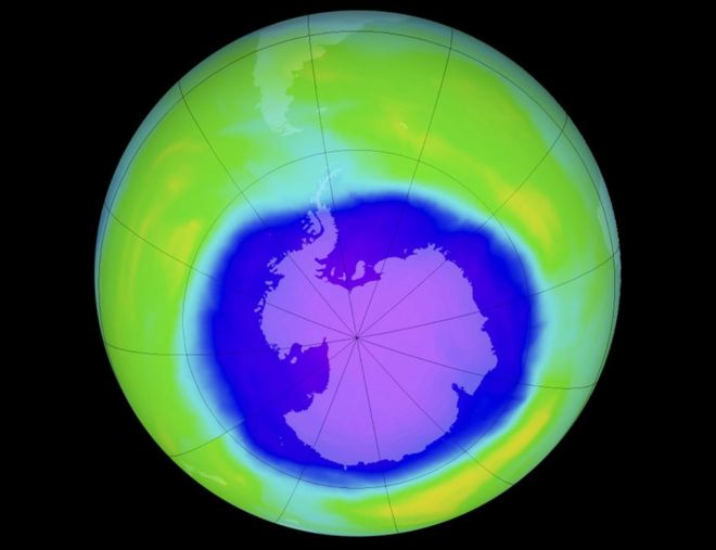 Учені показали велетенську озонову діру над Антарктидою