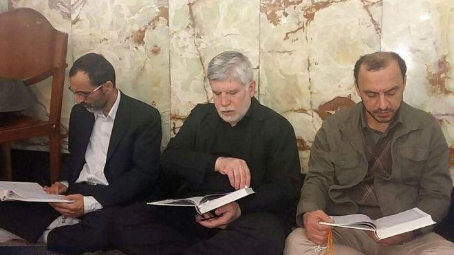 یاران احمدینژاد به تحصن خود پایان دادند