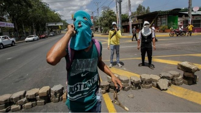 Manifestante en Managua.