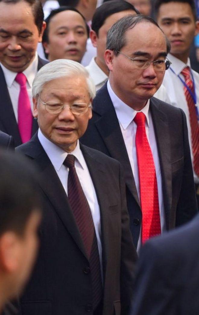 Bí thư Thành ủy TP.HCM Nguyễn Thiện Nhân (phải) và TBT Nguyễn Phú Trọng
