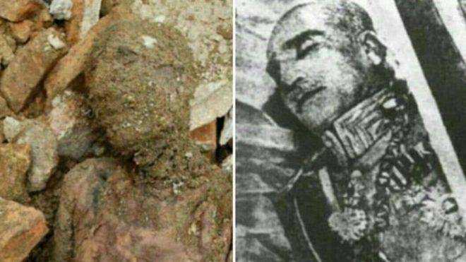 À esqueda, a múmia que seria de Reza Xá; à direita, o corpo do monarca iraniano