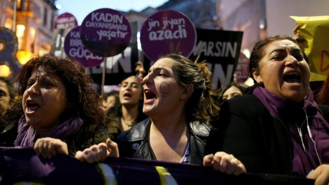 "Women hold placards ""we want life"" as they protest on the International Day for the Elimination of Violence Against Women in Istanbul, Turkey, 25 November 2017"