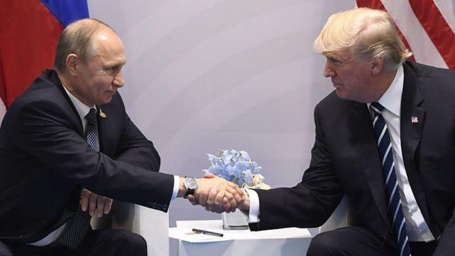 Putin na Trump: Waziri mkuu wa Urusi Dmitry Medvedev amesema kuwa vikwazo vipya vilivyowekwa na Marekani dhidi ya taifa hilo ni sawa na kutangaza vita vya kibiashara.