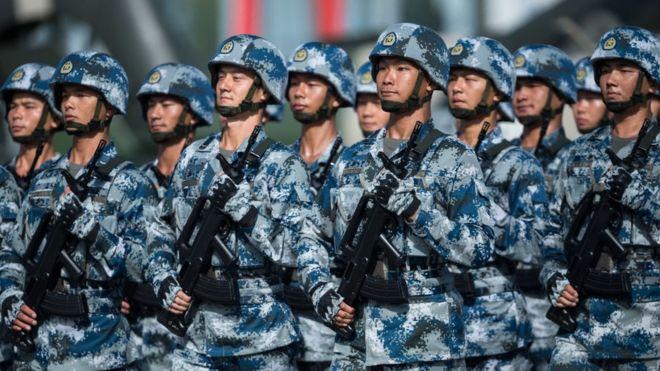 解放軍士兵列隊