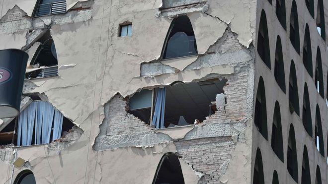 Un edificio dañado tras el terremoto en Ciudad de México