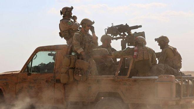 Pada suatu waktu diperkirakan ada sekitar 500 anggota pasukan khusus AS di Suriah.