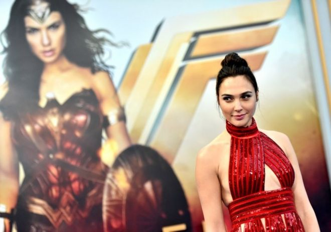 "Actress Gal Gadot arrives at the Premiere Of Warner Bros. Pictures"" ""Wonder Woman"" at the Pantages Theatre on May 25, 2017 in Hollywood, California."