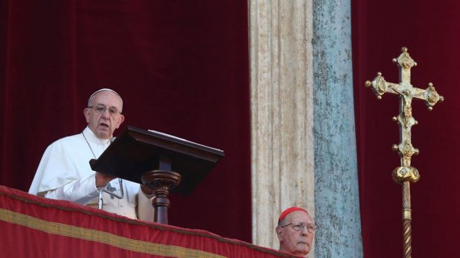 Папа римский в рождественской проповеди призвал к миру в Иерусалиме