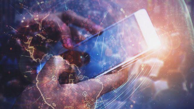 Composición con un celular