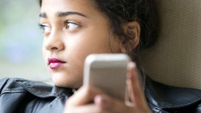 Молодые британцы считают Instagram депрессивной соцсетью - Фото