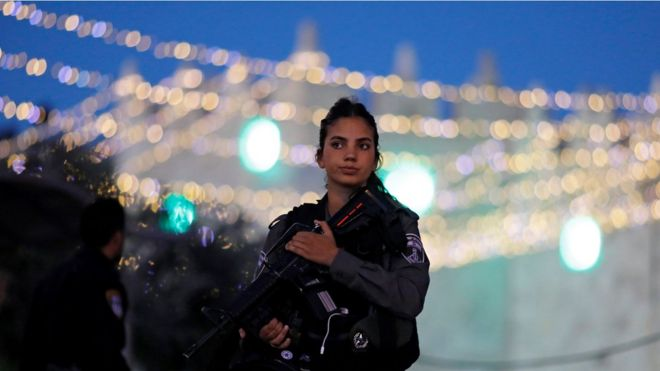 An Israeli policewoman on duty in Jerusalem, 16 June