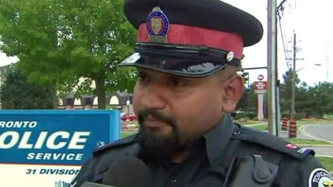 Toronto police officer buys would-be shoplifter items needed for a job interview