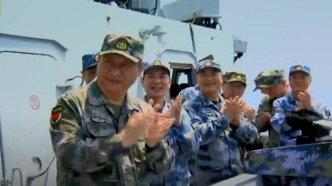 Chủ tịch Tập đích thân lên tàu Liêu Ninh thị sát và khích lệ quân đội Trung Quốc trong cuộc diễn tập lớn chưa từng có ở Biển Đông
