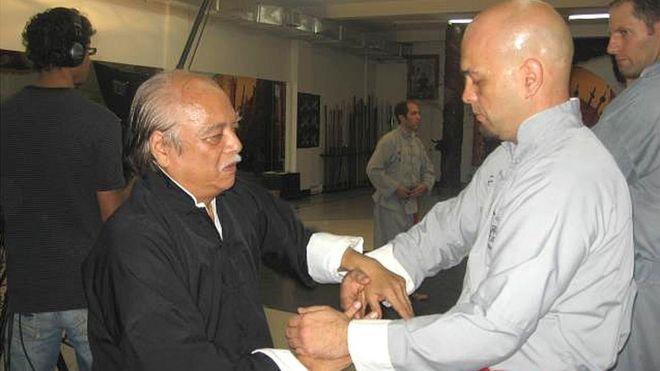 Ông Pierre-Francois Flores