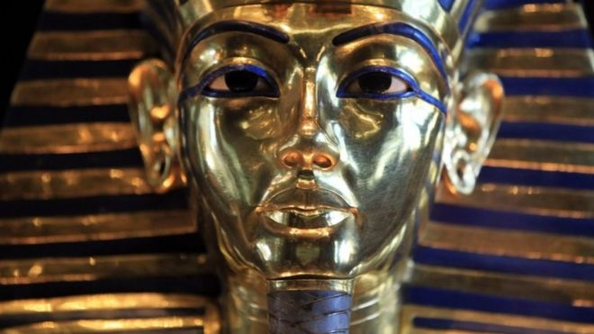 Tutankhamun: Egypt museum staff face trial over botched beard job ...
