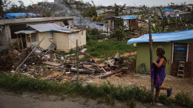Daños causados por el huracán María en San Isidro, Puerto Rico.