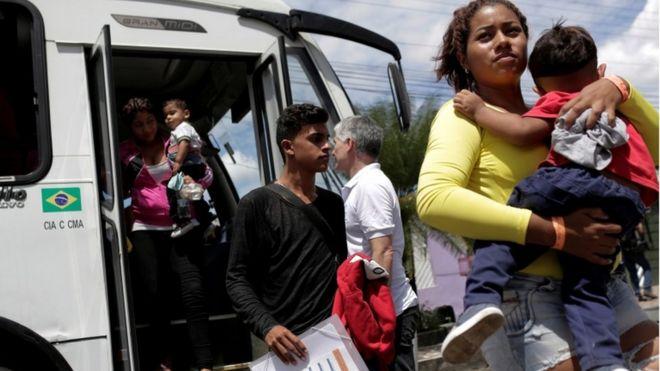 Venezuelanos chegam a acampamento da Acnur em Manaus:
