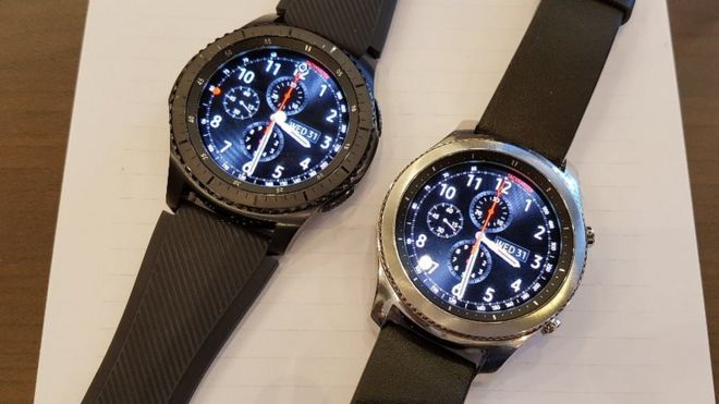 Samsung Gear S3 watches get bigger screens and batteries - BBC News
