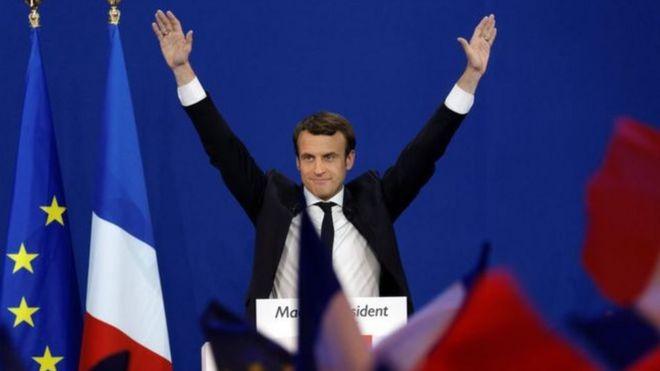 """Lãnh đạo đảng """"En Marche!"""" Emmanuel Macron phát biểu sau khi dành số phiếu bầu cao nhất trong vòng bầu cử đầu tiên"""