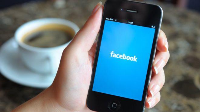 Cómo simular ubicaciones falsas en tu teléfono móvil para que Facebook y otras apps no sepan dónde estás