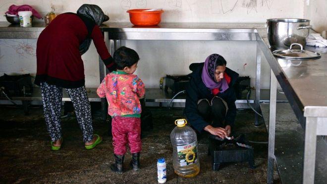 ألمانيا تقرر إعادة بعض المهاجرين إلى اليونان