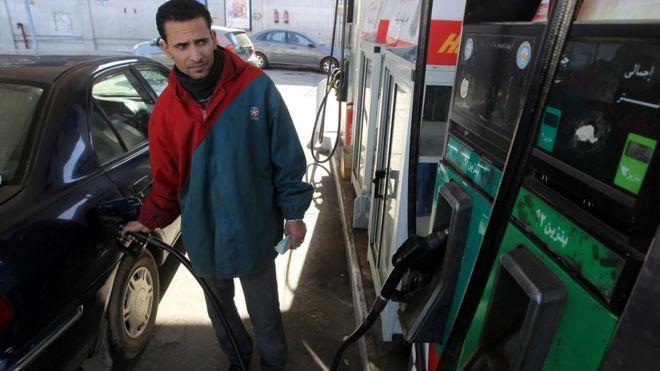 الحكومة المصرية ترفع مجددا أسعار الوقود بنسبة تصل إلى 55 بالمئة _96733356_gettyimages-137179095