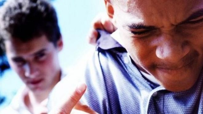 Teachers urged to 'get tough' on bad behaviour - BBC News