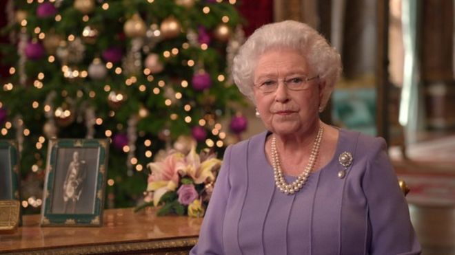 Queen's Christmas message emphasises reconciliation - BBC News