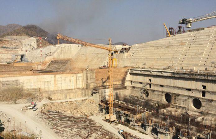 https://ichef-1.bbci.co.uk/news/695/cpsprodpb/CC15/production/_100154225_ethio-dam-2_976.jpg