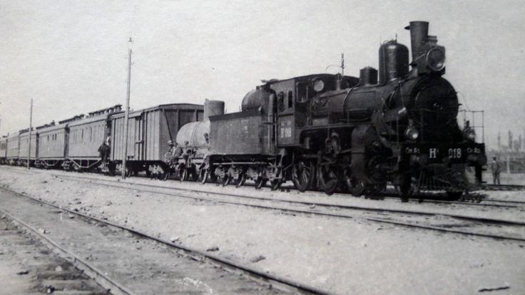 نخستین قطار منظم در مسیر استالین آباد - تاشکند (استالین آباد آن زمان نام دوشنبه کنونی بود)